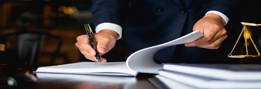 un avocat spécialisé en droit du travail